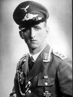 Toen hij drie jaar oud was zei Carl Edon uit Engeland dat hij in een vorig leven een Luftwaffe-piloot was geweest.