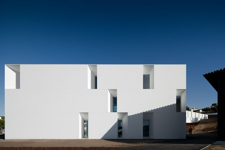 Aires Mateus Associados — House for Elderly People — Image 4 of 22 - Europaconcorsi