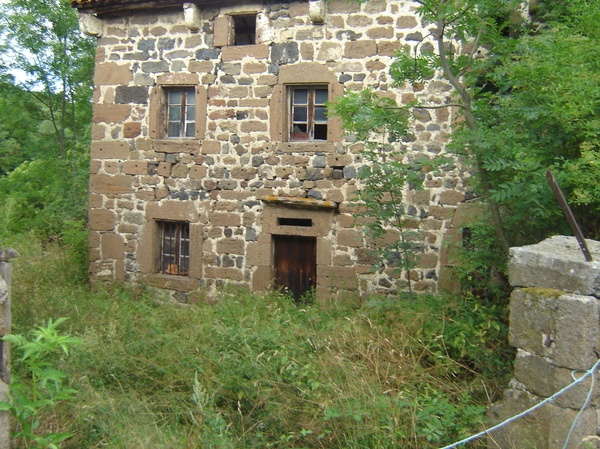 1000 images propos de maisons abandonn es sur pinterest for Acheter une maison en auvergne