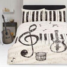 25 best ideas about guitar decorations on pinterest guitar shelf music decor and guitar. Black Bedroom Furniture Sets. Home Design Ideas