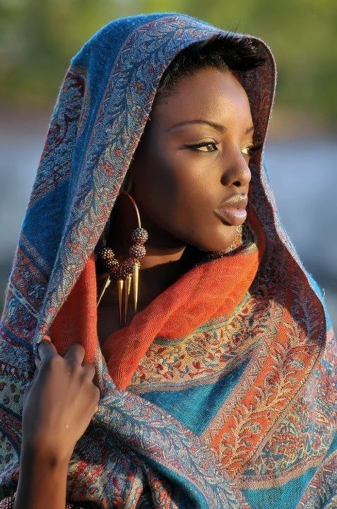 Senegalese Woman - absolutely beautiful!