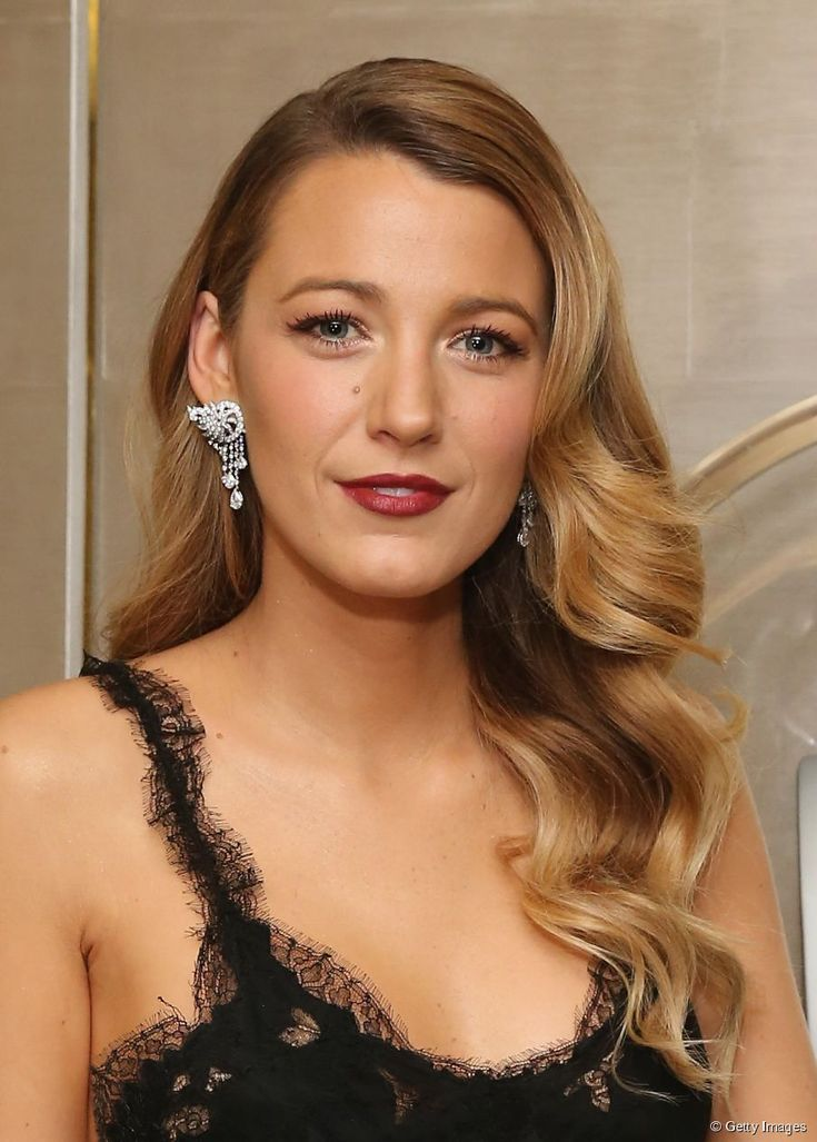 Blake Lively with Hollywood waves
