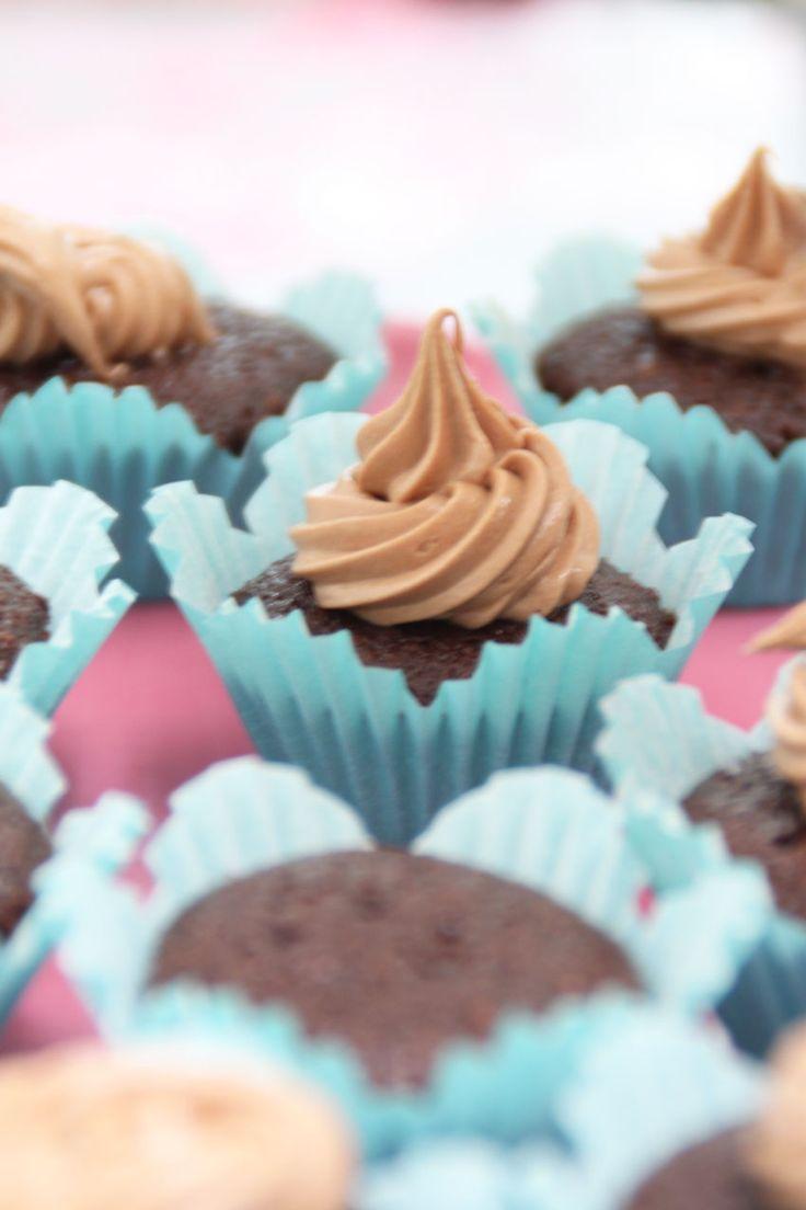 Chokladcupcakes med mjölkchokladfrosting | Bakverk och Fikastunder