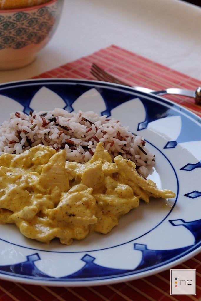 Pollo al curry con arroz largo