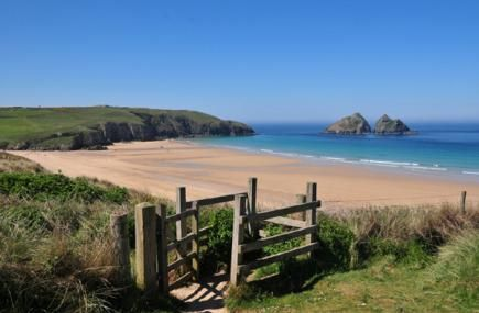 Our #beach of the week is Holywell Bay near #Newquay. Have you climbed the dunes or enjoyed the waves here before?