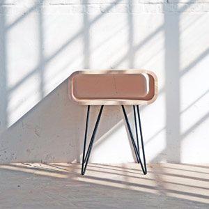 Bout de canapé / chevet en bois et pied métal Métro XL Boom