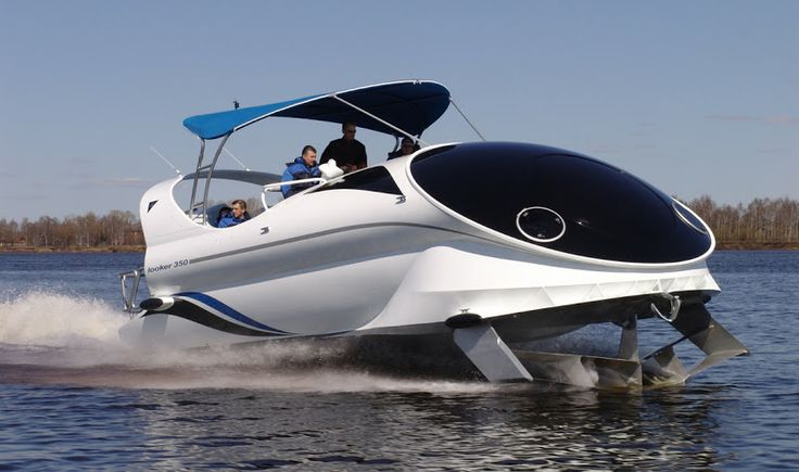 Looker 350, a Russian-built hydrofoil-assisted high-speed ...