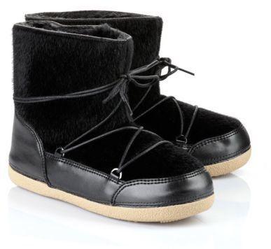 Pin for Later: 18 Winterstiefel und Moon Boots, mit denen ihr keine kalten Füße bekommt  Buffalo gefütterte Fellboots in Schwarz (40 €)