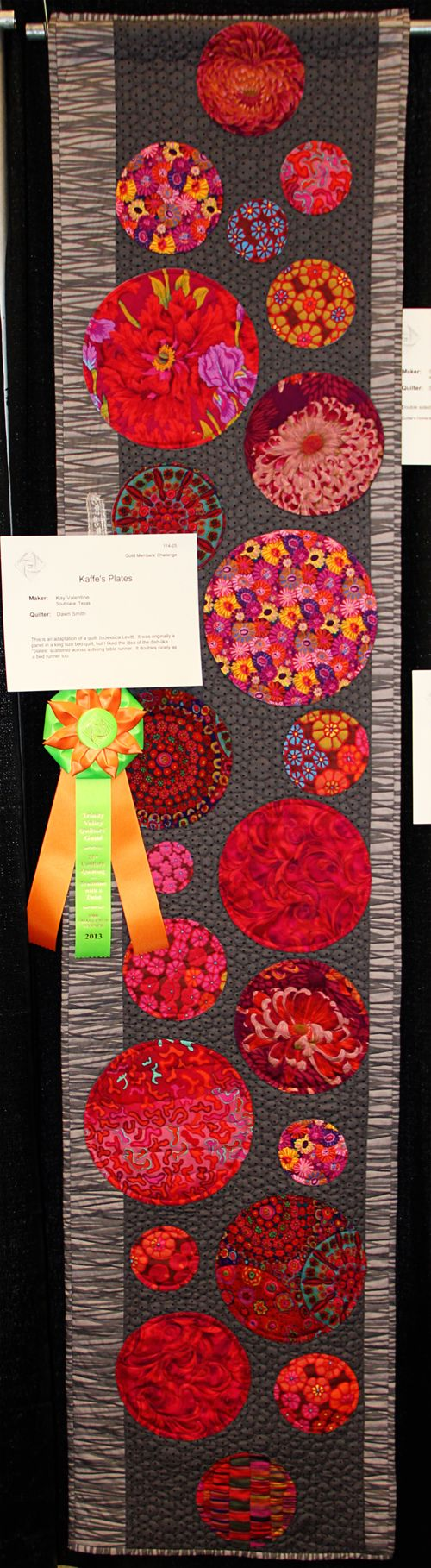Kaffe's Plates (Maker: Kay Valentine, Quilter: Dawn Smith). Trinity Valley Quilters' Guild – 2013 Quilt Show. Photo by Cookie's Creek