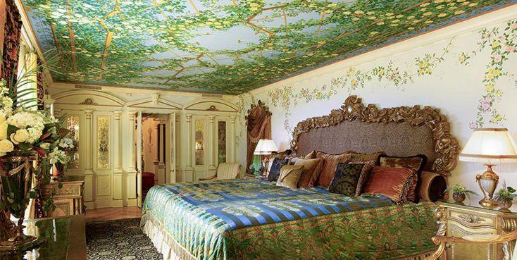 Fashion designers' homes, including Versace's Casa Casuarina