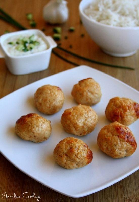 Recette de Boulettes de poulet tandoori et sauce raita au concombre : la recette facile