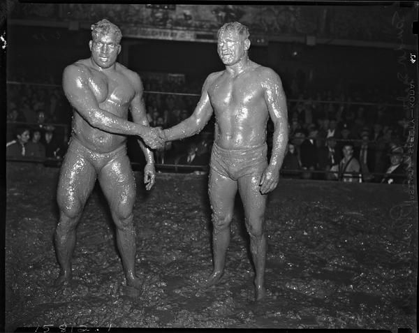 Sandor Szabo and Prince Bhu Pinder shaking hands in the ring after their mud wrestling match at Olympic Auditorium Los Angeles ...(October 20 1937) http://ift.tt/2noJUR8 Love #sport follow #sports on @cutephonecases
