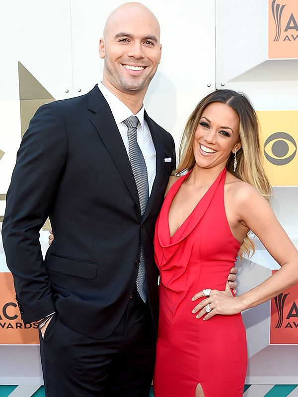 Hot Mama! Jana Kramer Stuns in First Red Carpet Appearance Since Giving Birth at ACMAwards