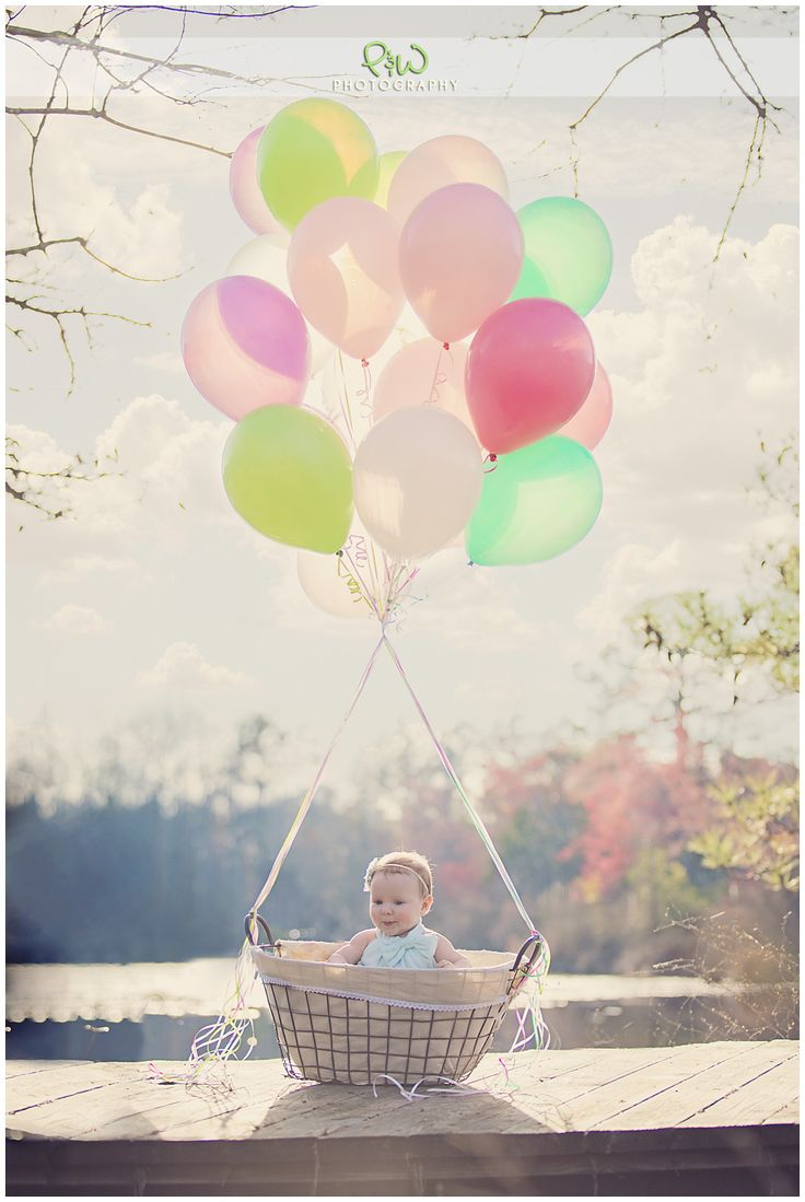 Absolutely love this idea for baby pics !