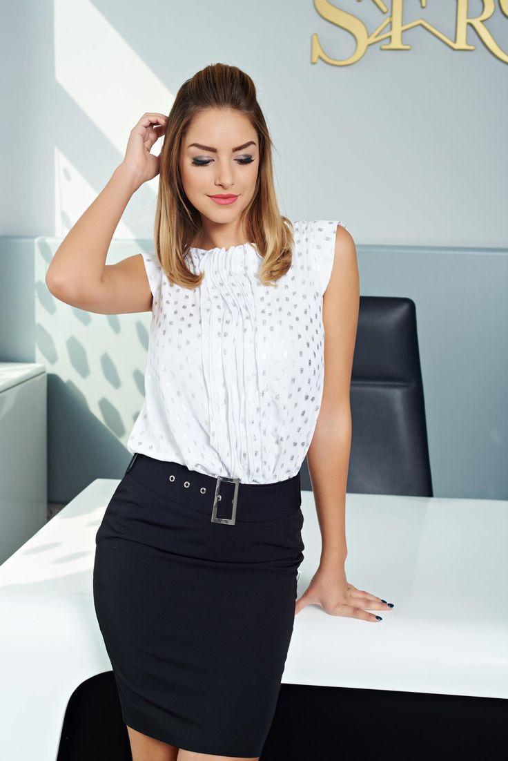 Bluza MissQ Absolute Passion White. Bluza MissQ din bumbac, cu un croi larg, material usor transparent, cu volanase, fara maneci, aplicatii cu sclipici si spatele decupat.