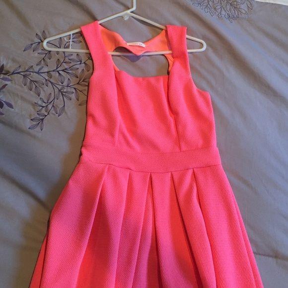 Gorgeous heart back dress Heart back dress- size small! Dresses