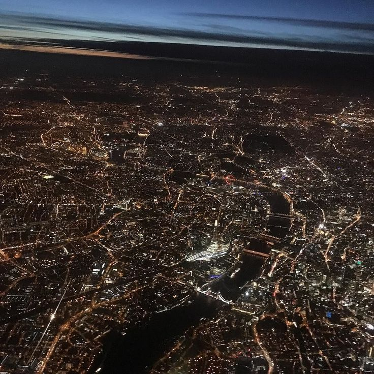 From @monsterstuddy Never get bored of this view.... Early evening London on the approach to LHR. No filter needed!  #crewlife #lhr #feierabend #commute #skyline #skyview #london #londonbynight #sunset #view #innercity #england #avgeek #home #homeiswheretheheartis #uk #grossbritannien #capital #nightview #cityscape #nofilter #crewiser #crewiser #airlines #crewfie #flying #layover #airplane #cabincrew #crewlifestyle
