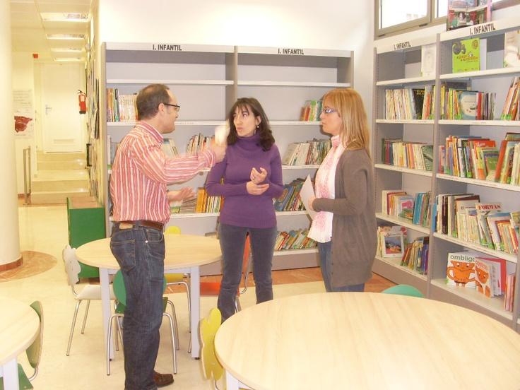 Visitando la Biblioteca Municipal de Peñafiel.