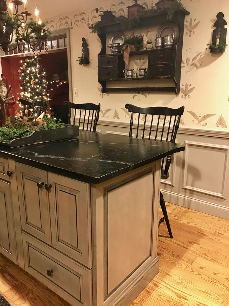 Cabinet color and counter top
