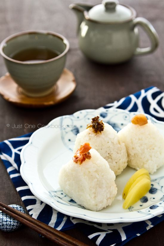 Onigiri ( Japanese Rice ball )