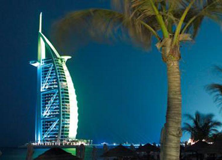 Dubai est une ville très luxeuse et fascinante !  Profite du Dubai Special de SWISS et vole à Dubai à prix incroyable de seulement 469.- !  Réserve ici ton vol: http://www.besoin-de-vacances.ch/reserver-vol-a-dubai-swiss-a-469/