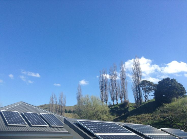*Thankful Thursday*  So grateful for nearly a full week of beautiful sunny days!  Today is no exception!  #summeriscoming #offgridnz #solarpanels #solarpower #poweredbynature