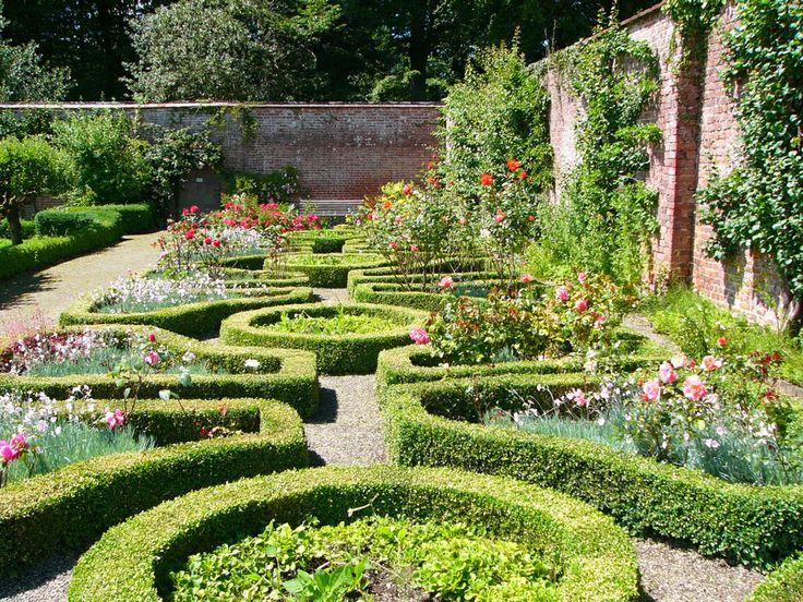 16 best rose garden images on pinterest roses garden for Garden design with roses