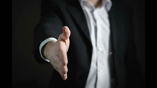 Gostas de desafios? Então vem fazer um pitch e fica a saber como as empresas presentes no Careers 2018 avaliam o teu personal branding. Constrói uma imagem positiva e vê como te podes diferenciar no mercado de trabalho.  Inscrições emgaa@upt.ptcom nome nº de aluno ano e curso até ao dia 6 de março.