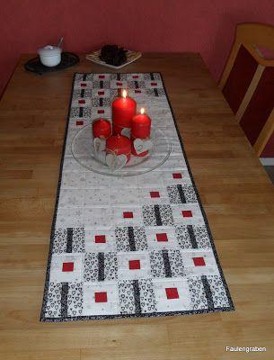die besten 25 xmas table runners ideen auf pinterest gesteppte tischl ufer f r weihnachten. Black Bedroom Furniture Sets. Home Design Ideas