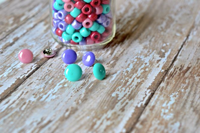 Do you remember making jewelry with pony beads as a kid? Here's a grown-up twist on a classic childhood craft. For the version, the beads are melted. Learn how to melt pony beads and turn them into unique pieces of jewelry!