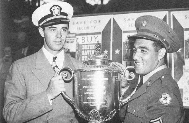 1942: Sam Snead wins his 1st major title at the 25th PGA Championship