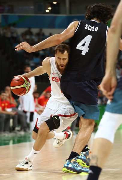 Luis Scola Photos - Sergio Rodriguez #6 of Spain moves the ball against Luis Scola #4 of Argentina during a Men's Basketball Preliminary Round Group B game between Spain and Argentina on Day 10 of the Rio 2016 Olympic Games at Carioca Arena 1 on August 15, 2016 in Rio de Janeiro, Brazil. - Basketball - Olympics: Day 10