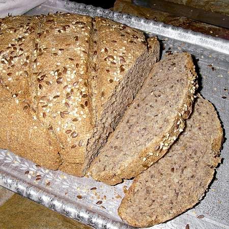 Friss, ropogós házi kenyér 1 óra alatt, tízóraira, vacsorára