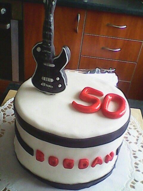 Jagodowy tort dla gitarzysty