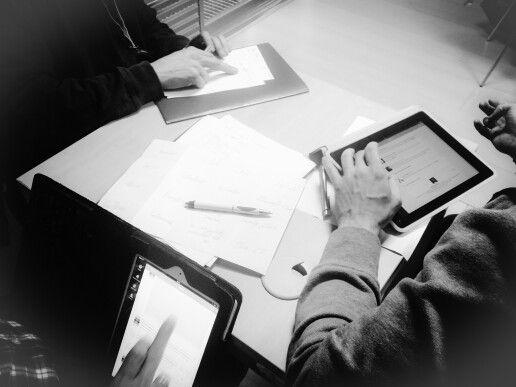 Papeles y tabletas,  juntas en el aprendizaje. Taller de habilidades cooperativas en el #abpcita.
