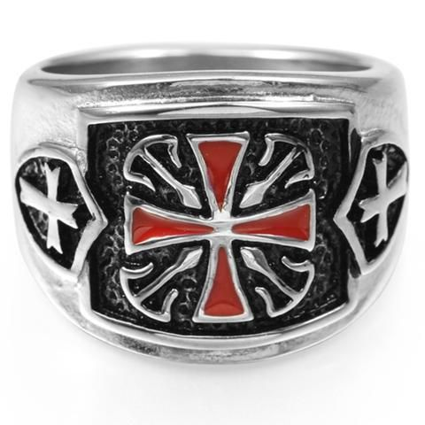This is one of the most beautiful Master Mason rings to ever be on the site. Pictures do not do this ring justice. The Medieval Crusader ring is truly a work of art displaying high quality craftsmansh