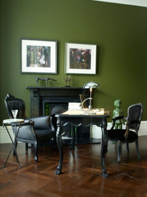 wandfarbe-trends-grüne-wand-mit-bildern - schwarze möbel | Farbe ...