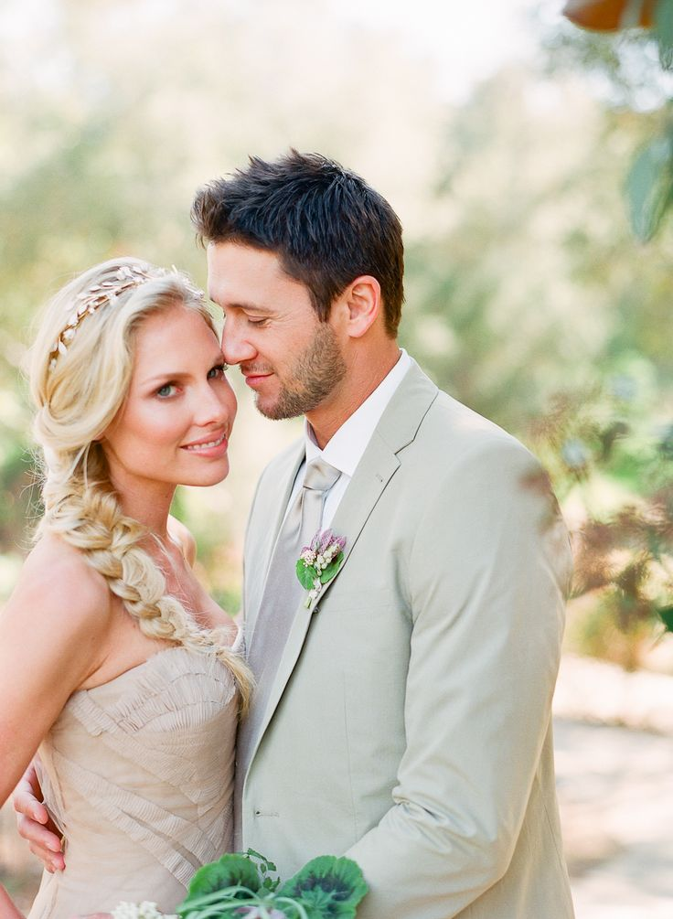 A wedding photograph that is filled with love. Photography: Carmen Santorelli Photography.
