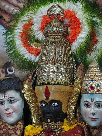 माँ को कोलासुरा मर्दिनी कहा जाने लगा। पद्मपुराणानुसार यह क्षेत्र 108 कल्प प्राचीन है एवं इसे महामातृका कहा गया है, क्योंकि यह आद्याशक्ति का मुख्य पीठस्थान है।