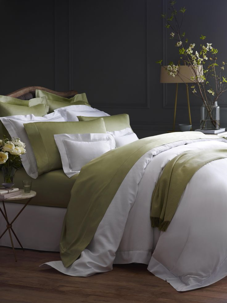 Giotto has become a SFERRA staple - our best-selling Egyptian cotton sateen is as luminous as silk and luxuriously smooth.