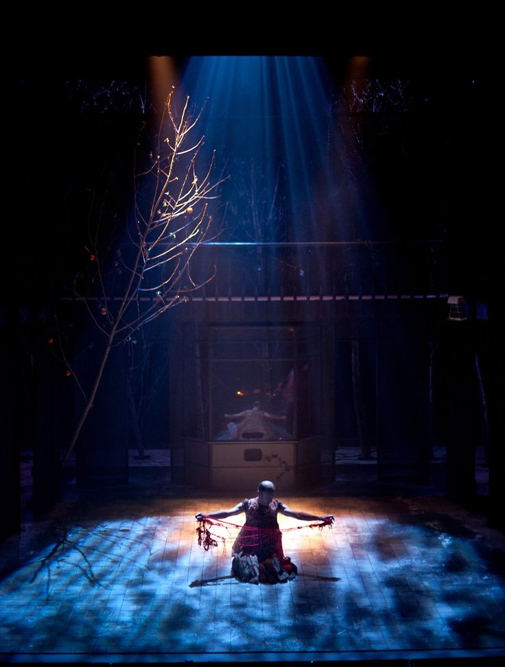 Oliver Townsend Design - Blood Wedding Royal and Derngate Theatre