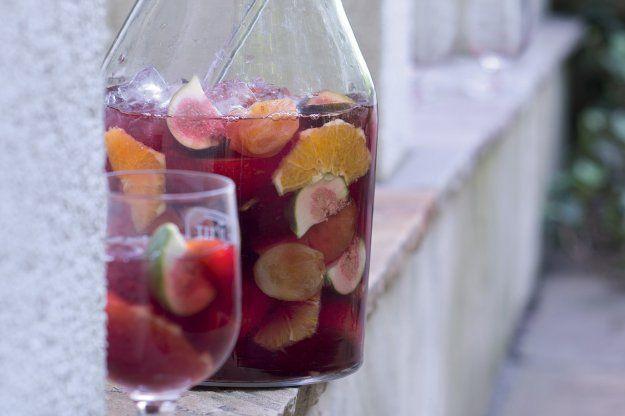 Sangria s červeným vínem a ciderem   Apetitonline.cz