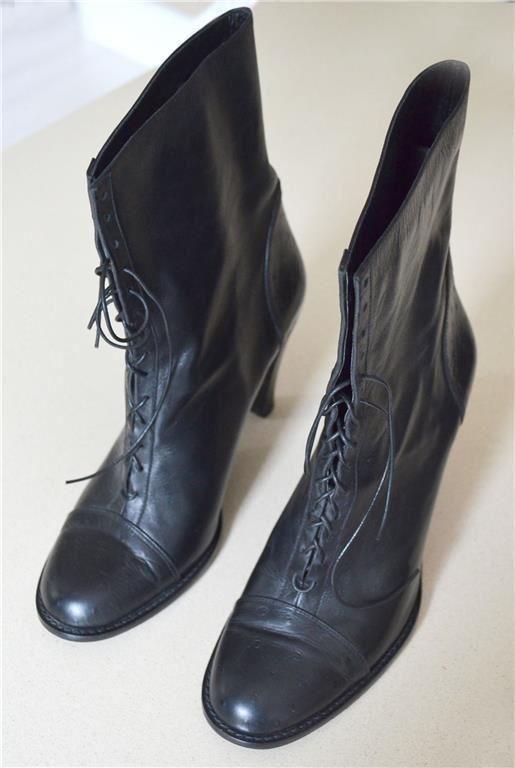 WHYRED Svarta högklackade Boots / Skor/ Stövlar, storlek 40. I nyskick!