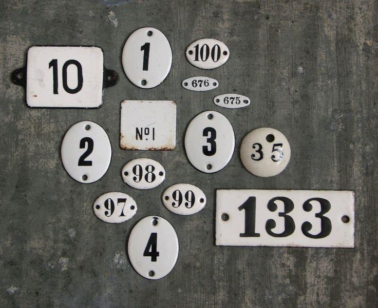 Enameled Number Plates