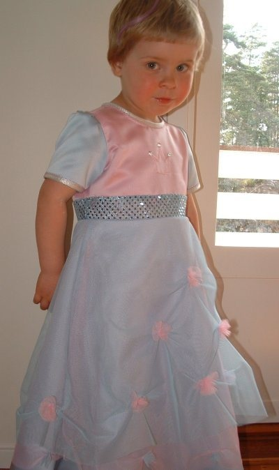 S i hjemmesydd prinsessekjole