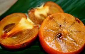 По свидетельствам многих гипертоников, отличным средством от их недуга является хурма. Для достижения оптимальных результатов рекомендуется ежедневно съедать один фрукт или готовить из него сок.