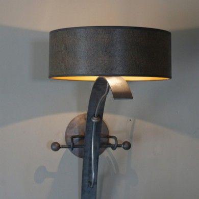 design-wandlamp-zwart-metaal-middeleeuws-klassiek-landelijk-fakkel-muur-castle-wall-hanger-390x390.jpg (390×390)