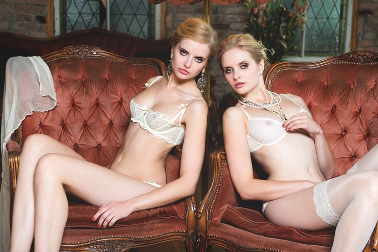 Twins in loft by Oliver Aukschun for NIF | zwillinge | Pinterest | Beauty, Famous models and Female models