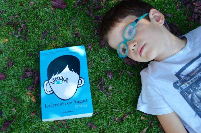 Prevenir bullying o acoso escolar, libro juvenil Wonder la lección de August