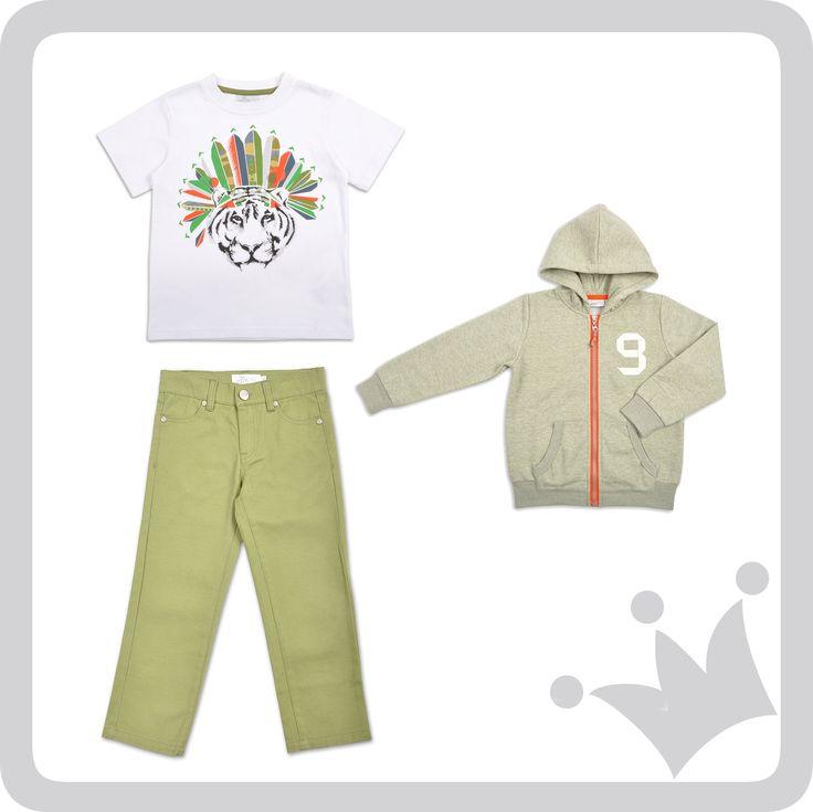 ¡Look del día! Estampados alpinos en #t-shirts combinadas con pantalones y sweters #joggins en tonalidades de verde #epkmegusta #kidswear